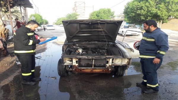 آتش سوزی یک دستگاه خودرو سواری در خرمشهر